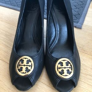 Tory Burch Benton 85MM Wedge Size 11